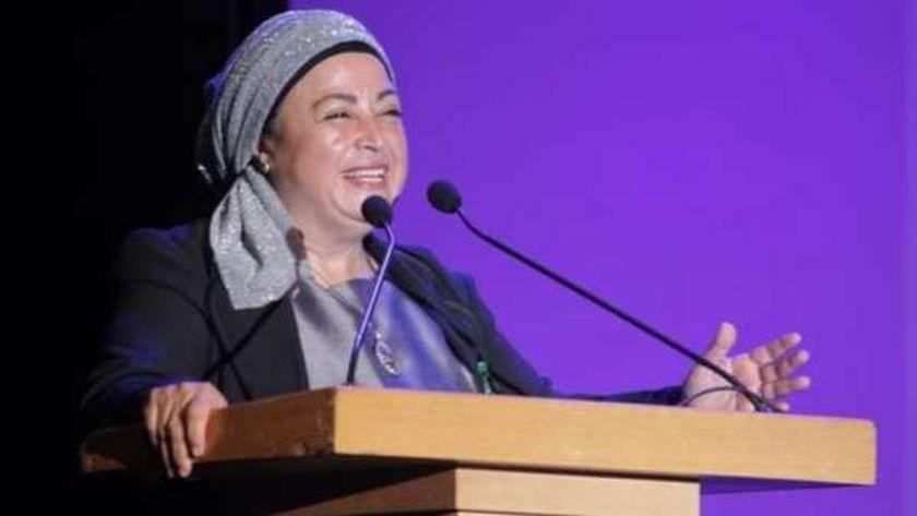 الدكتورة نبيلة حسن عميدة معهد الفنون المسرحية بالإسكندرية