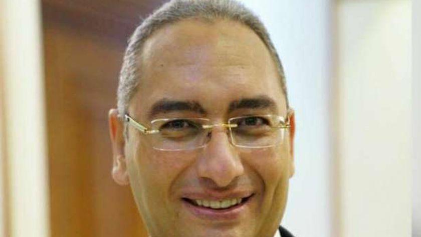 الدكتور حازم سمور- مدير مستشفى النزهة