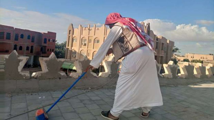 خلال تطهير أسقف مساجد مطروح لمواجهة الأمطار