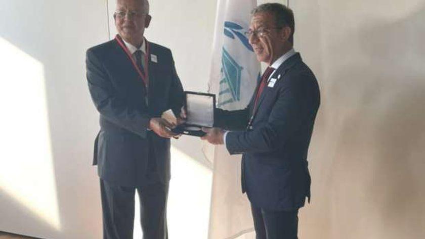 المستشار الدكتور حنفي جبالي ورئيس البرلمان الدولي