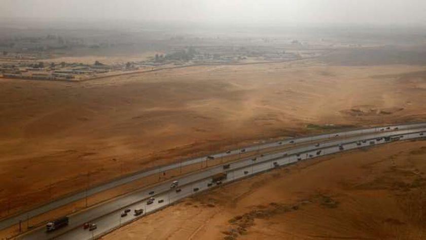 أنحاء ليبيا الشاسعة تنتظر ربطها بطرق سريعة