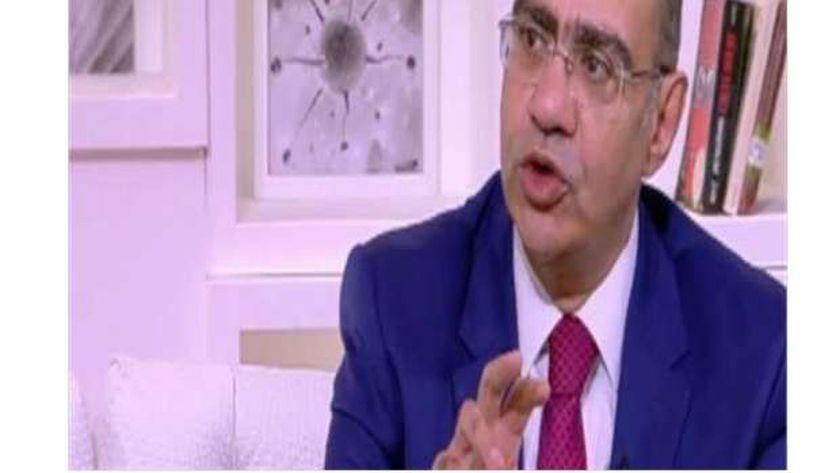 الدكتور حسام حسني .. رئيس اللجنة العلمية لمجابهة فيروس كورونا