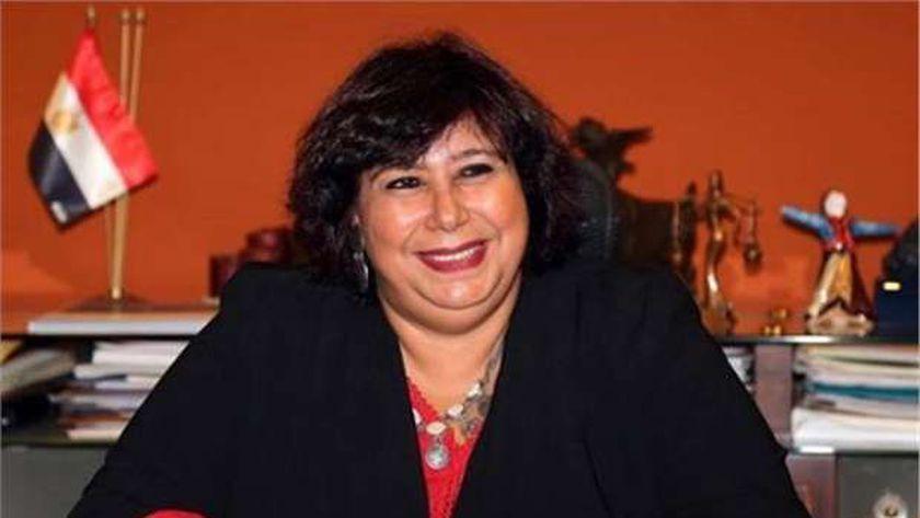 صورة وزيرة الثقافة: توفير حياة آمنة لأعضاء النقابات الفنية محل اهتمام كبير من الرئيس – مصر