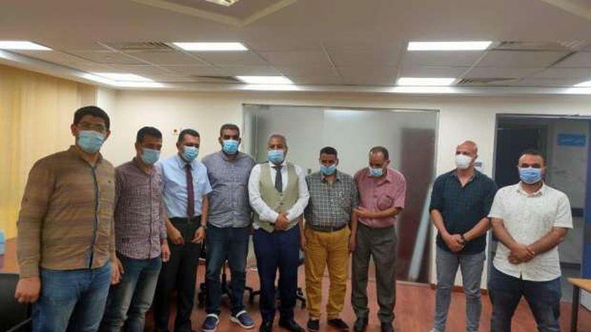 وكيل صحة مطروح خلال لقائة مع أطباء جامعة الأزهر بمستشفى العلمين