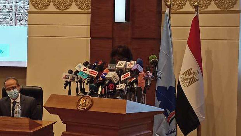 الدكتورة إيناس عبدالدايم وزيرة الثقافة خلال المؤتمر الصحفي لمعرض الكتاب 2021