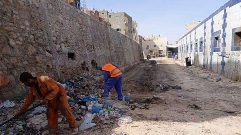 جانب من أعمال تطهير وتنظيف وتعقيم مدينة مرسى مطروح