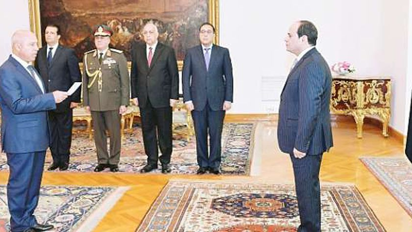 كامل الوزير أثناء أداء اليمين الدستورية