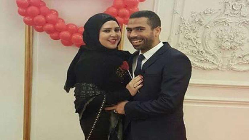 النجم احمد فتحي وزوجته