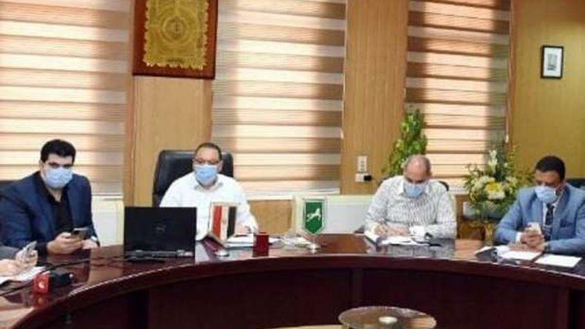 محافظ الشرقية وضع إشتراطات لتشغيل مراكز الخدمات العلمية