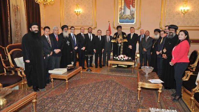 البابا تواضروس مع سفراء دول أمريكا الجنوبية فى إطار دوره لتصحيح الصورة بعد 30 يونيو
