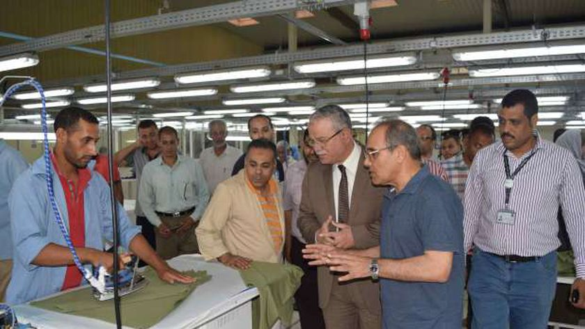 افتتاح مصنع ملابس بالمنيا