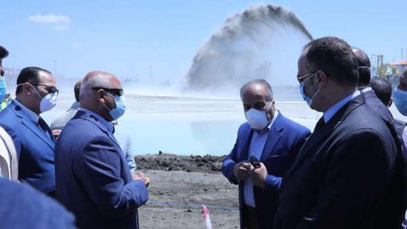 الفريق المهندس كامل الوزير وزير النقل يتابع أعمال تنفيذ محطة متعددة الأغراض بميناء الإسكندرية