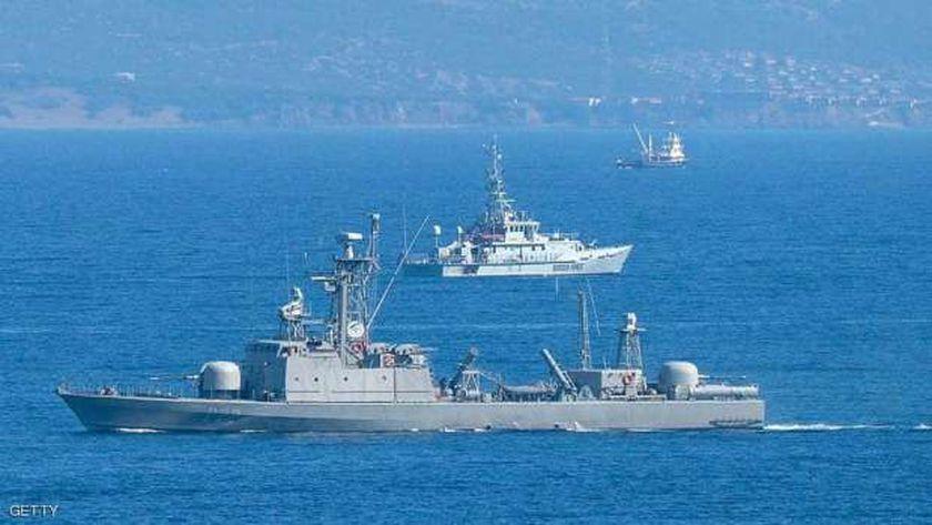 السفن اليونانية في المتوسط