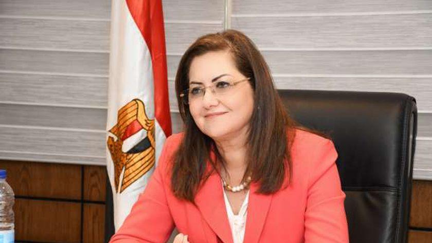 صورة هالة السعيد توافق على اعتماد مبلغ 210 مليون جنيه لتطوير مستشفيات جامعة أسيوط – مصر