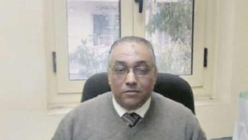 الدكتور مصطفى السيد مدير الإدارة العامة للتفتيش الصيدلي بالإدارة المركزية للشؤون الصيدلية