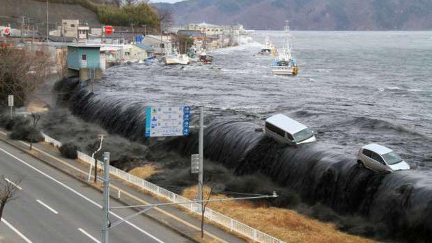 أمواج المد بأندونيسيا عقب زلزال