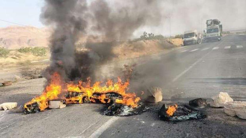 أهلي نصر الله الأحواز في تونس يقطعون طريقا رئيسية