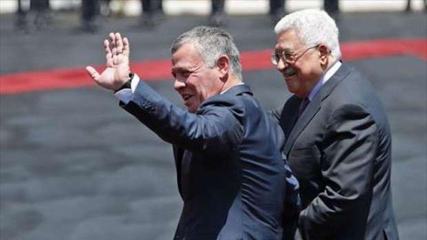 ملك الأردن خلال لقاء سابق مع الرئيس الفلسطيني محمود عباس