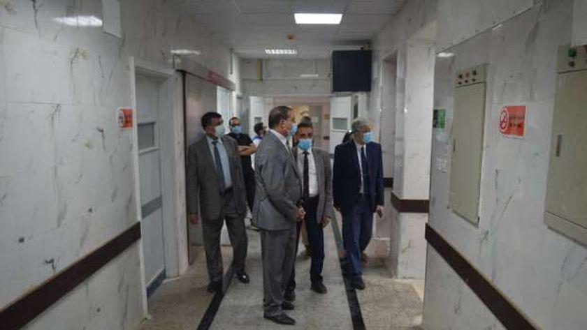 رئيس جامعة سوهاج يتابع الاستعدادت النهائية لافتتاح قسم جراحة القلب والصدر