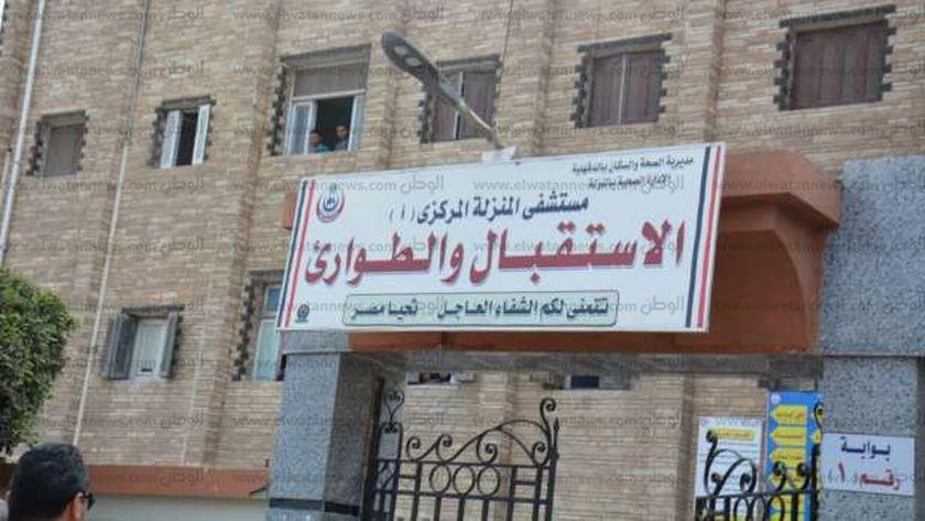 حادث إنقلاب لأسرة ونقلهم لمستشفى المنزلة