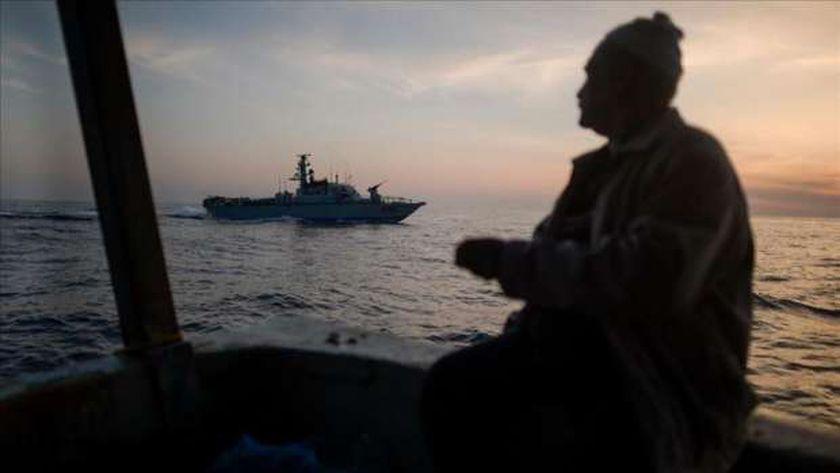 صورة عاجل.. زوارق الاحتلال الإسرائيلي تطلق عدة قذائف تجاه شاطئ غزة – العرب والعالم