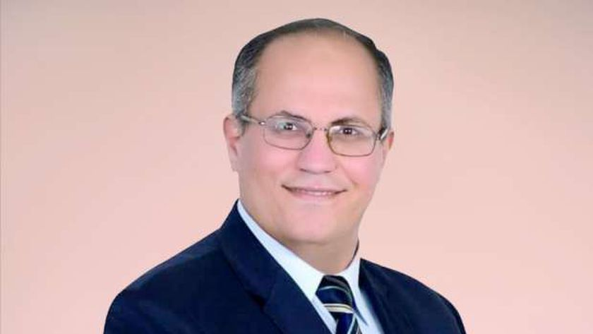 الدكتور إبراهيم الزيات عضو مجلس نقابة الأطباء