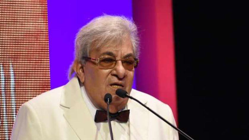 الفنان فاروق فلوكس خلال تكريمه بالمهرجان القومي للمسرح