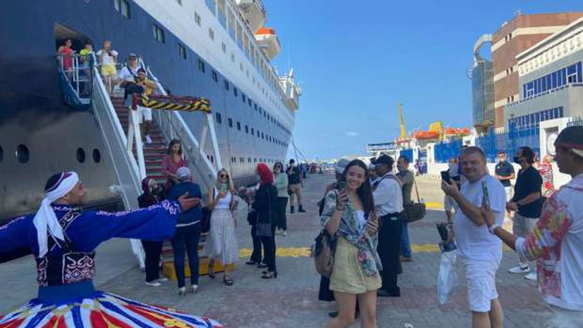 الرحلة البحرية السياحية