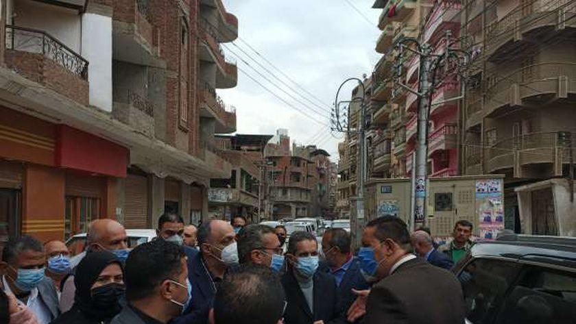 محافظ الغربية ونواب المحلة يتفقدون أعمال تطوير قرية محلة أبو ت