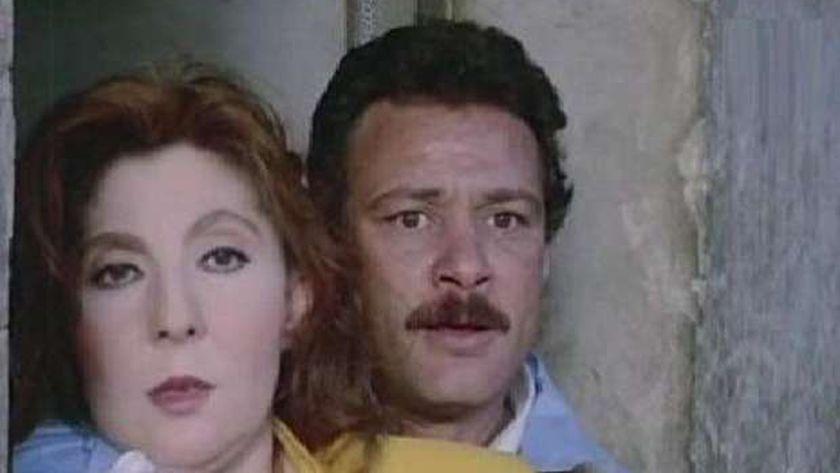 فاروق الفيشاوي ونادية الجندي في مشهد من فيلم «الإرهاب»
