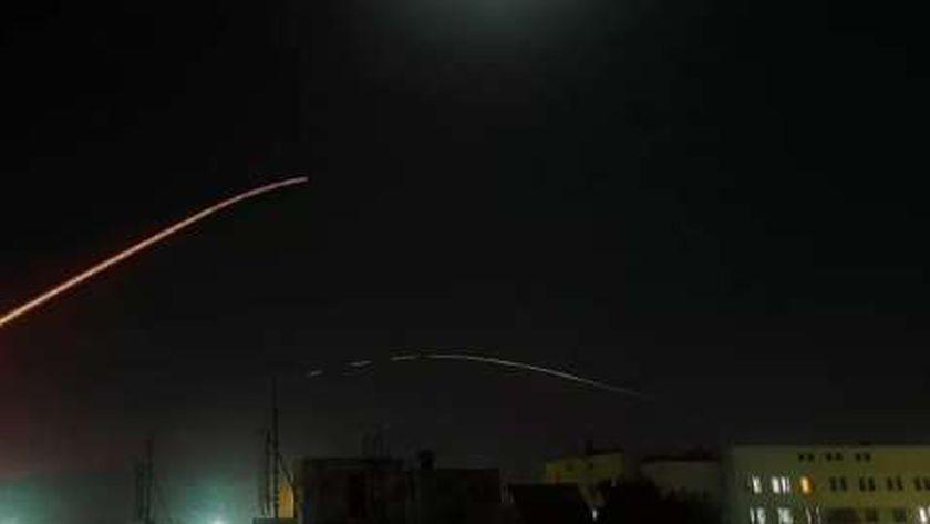 الدفاع الجوي السوري يتصدى لهجوم للإحتلال الإسرائيلي
