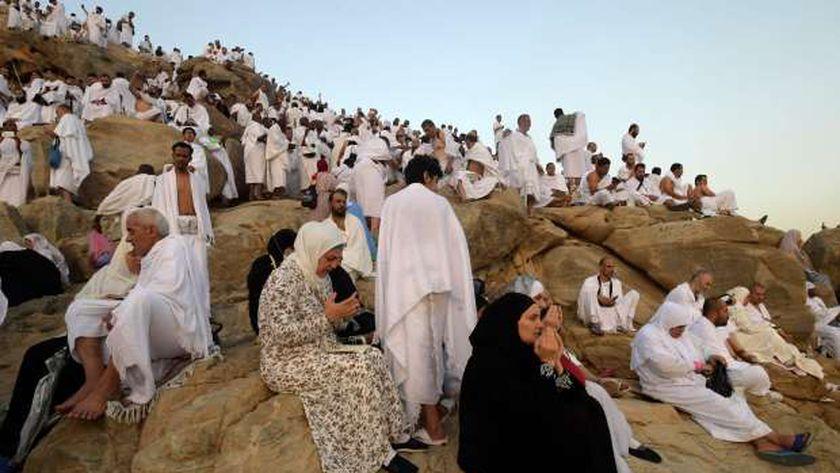 الحجاج على جبل الرحمة يوم عرفة