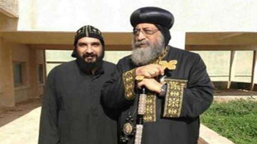 الراهب زينون المقاري مع البابا تواضروس