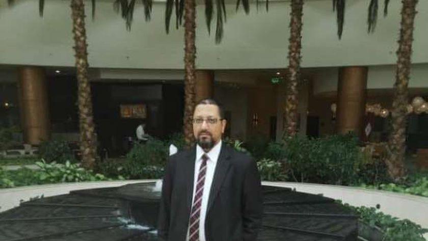 الدكتور بشير الطباخ، رئيس قسم الرمد بمستشفى دسوق العام المتوفي بكورونا