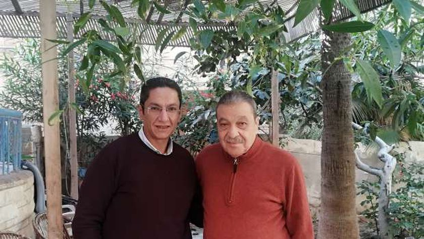 الدكتور ياسر همام أخصائى الصدر مع الدكتور النبيل الشنوانى وكيل وزارة الصحة بمطروح الأسبق