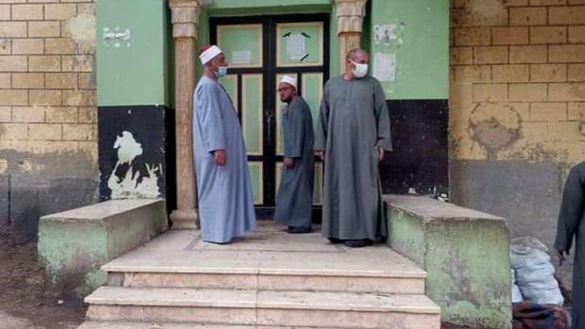 وكيل اوقاف المنيا يتابع المساجد