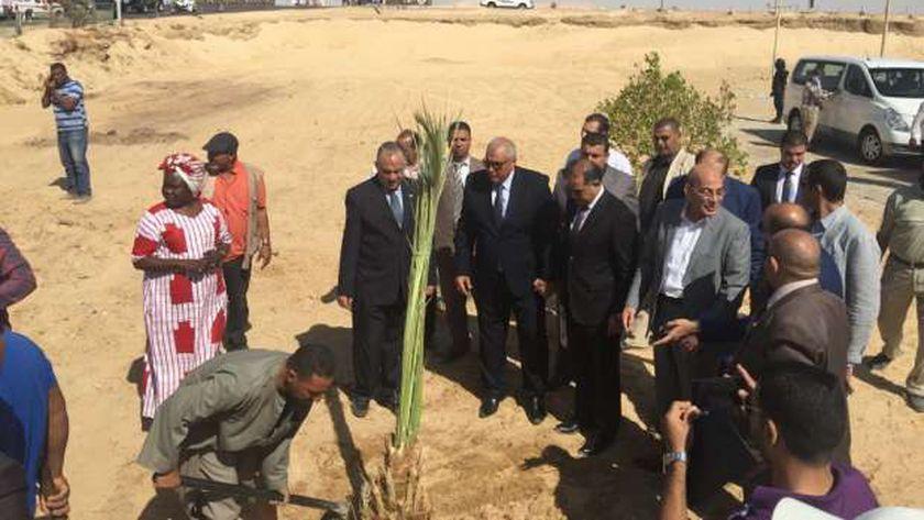 وزير الرى والزراعة يطلقان مهرجان النخلة الكريمة