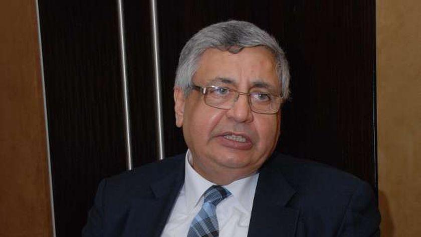 مستشار الرئيس يحذر من «تجمعات رمضان»: مش عاوزين الإصابات تبقى عائلية
