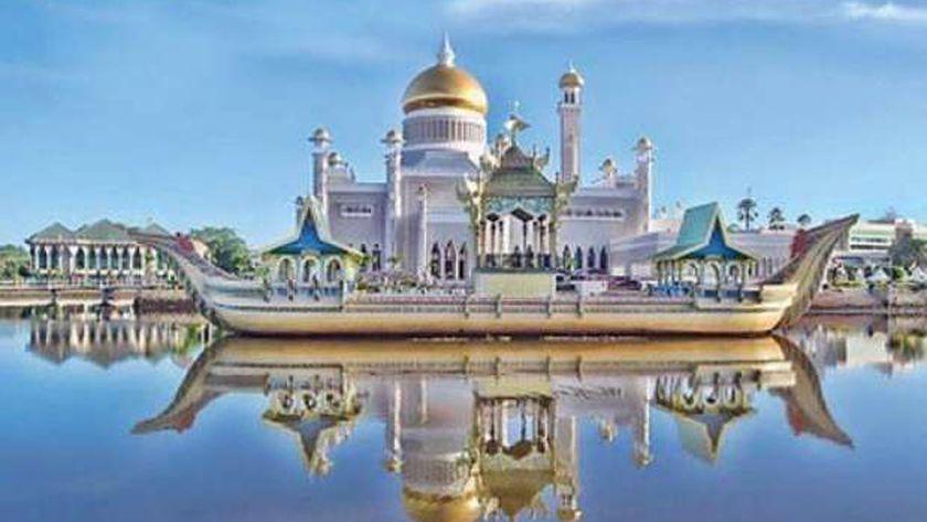 مسجد السلطان عمر علي سيف الدين