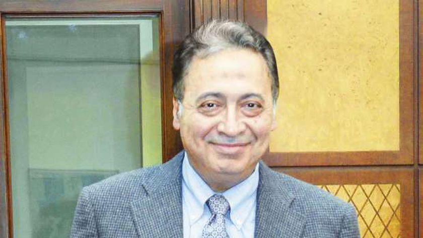 الدكتور أحمد عمادالدين - وزير الصحة