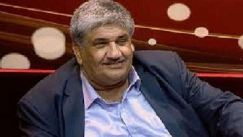 الكاتب الصحفي الراحل محمد منير