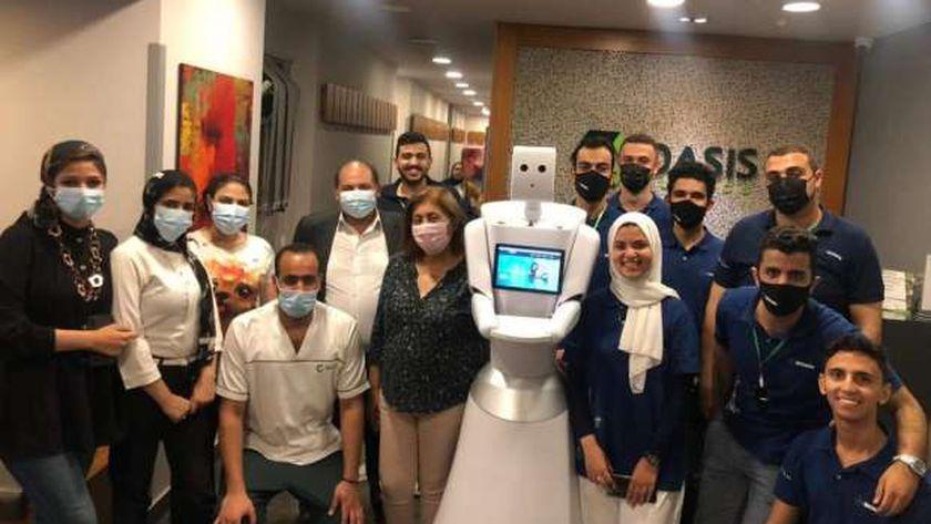 أول روبوت مصري لتشخيص الأمراص بجامعة المنصورة