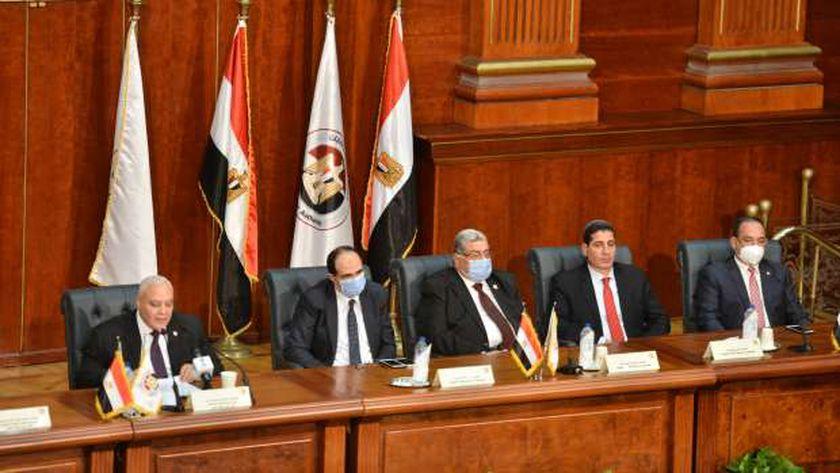 رئيس الوطنية للانتخابات أثناء إعلان الجدول الزمني للترشح لانتخابات النواب