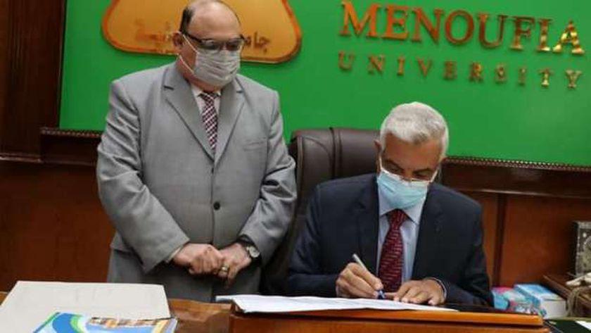 الدكتور عادل مبارك والدكتور أمجد