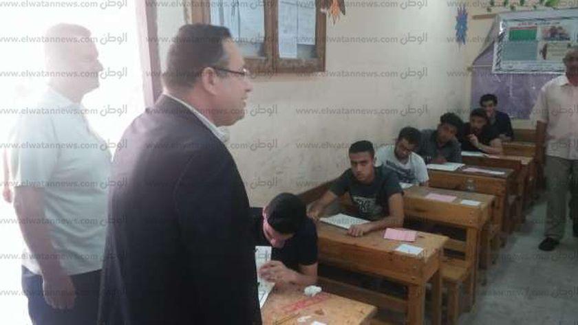 محافظ الإسكندرية يتفقد لجان الثانوية العامة بمدرسة صفية زغلول