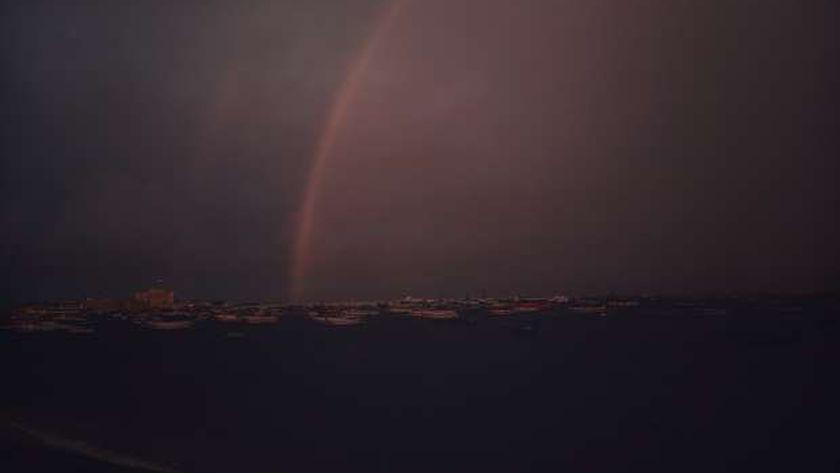 صورة صور.. قوس قزح يزين سماء الإسكندرية – المحافظات