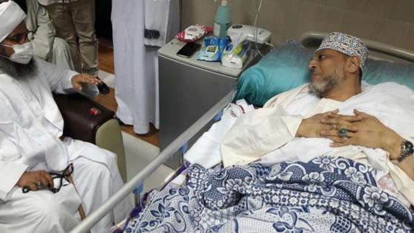 """""""الجفري """" يزور السيد الإدريسي بمستشفى أسوان لجامعي للاطمئنان على صحته"""