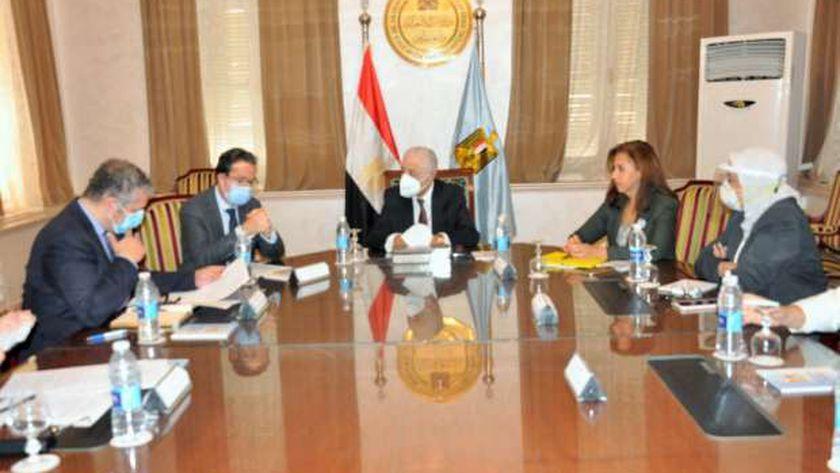 اجتماع بين وزير التربية والتعليم والسفير الفرنسي بالقاهرة