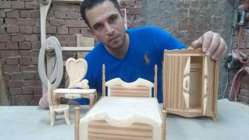 محمد غنيم وصناعة الأثاث والمجسمات