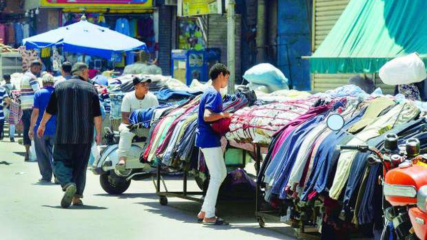 مطالبات بعمل الباعة الجائلين تحت إشراف المحليات